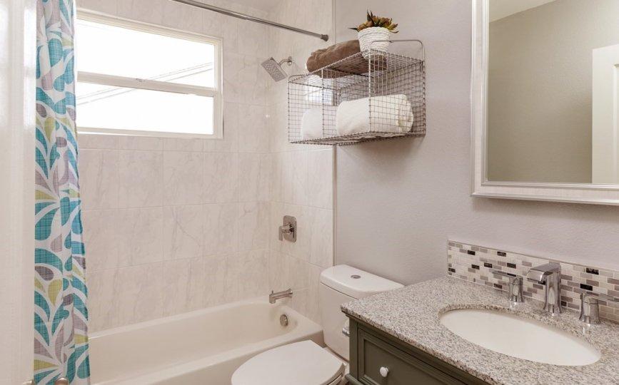 Golf Bungalow Kitchen Bathroom Update Redesign Realty