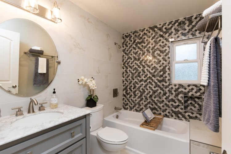 Transitional Contemporary Bathroom